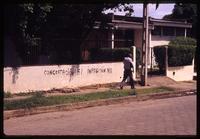 """""""Concertacion si, imposición no"""" written on wall in Managua"""
